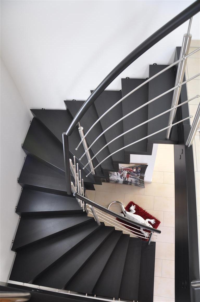 treppenstufen holz anthrazit – kartagina, Moderne